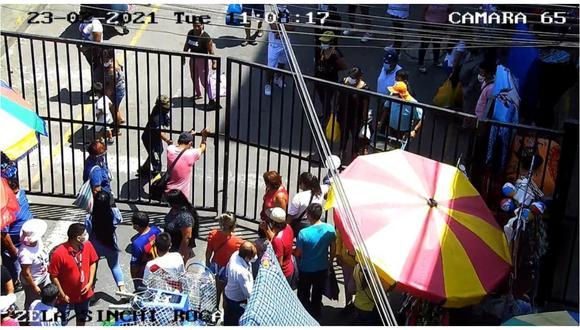 Las cámaras de seguridad registraron vandalismo de malos comerciantes en las calles Sinchi Roca y Francisco de Zela. (Foto: Municipalidad Provincial de Trujillo)