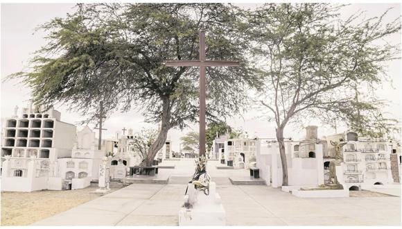 Este año no se podrán visitar las tumbas, coronar y velar a sus muertos.
