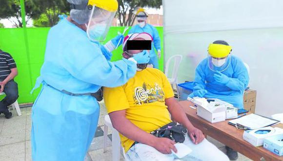 Geresa envió brigadas a seis distritos para supervisar la salud de las personas infectadas y de sus contactos.