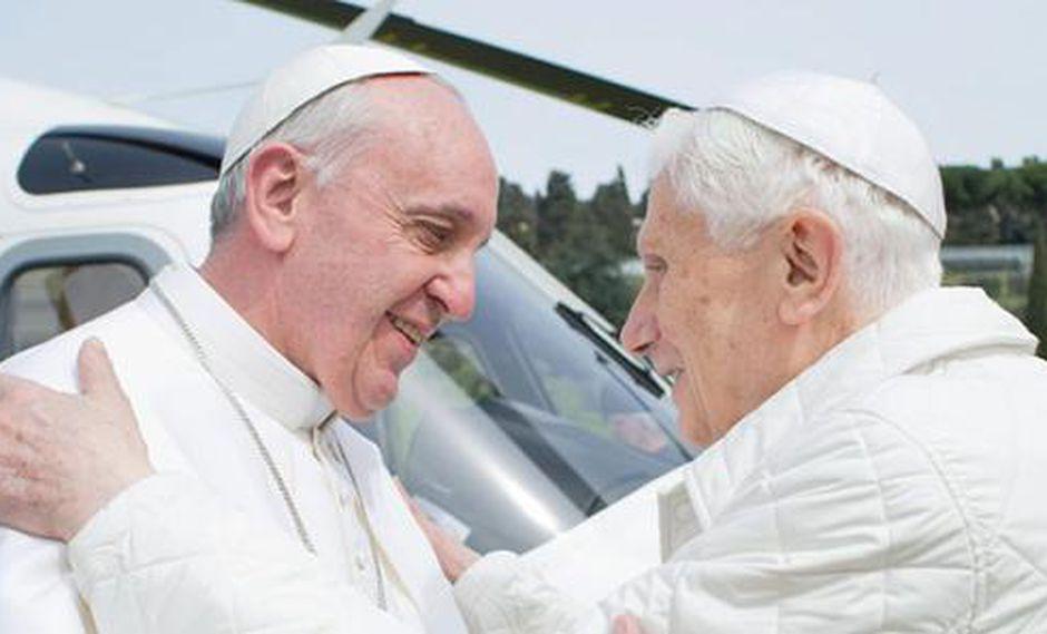 Histórico: Francisco y Benedicto XVI se encontraron en Castel Gandolfo