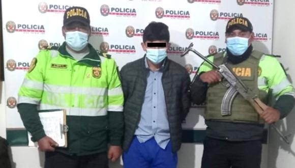 Sujeto intenta vender una moto robada a su propio dueño y termina detenido en Huancavelica.