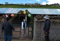Entregan cobertizos a familias ganaderas para proteger de heladas a 6 mil 600 alpacas y ovinos en Ayacucho