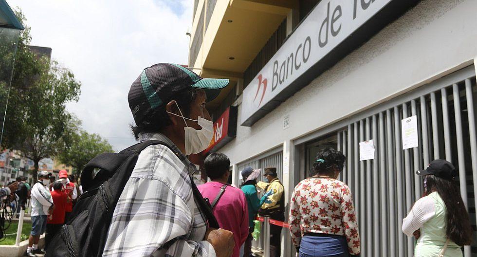 Las personas que son beneficiarias del Bono Independiente deben realizar el cobro en las ventanillas del Banco de la Nación. (GEC)