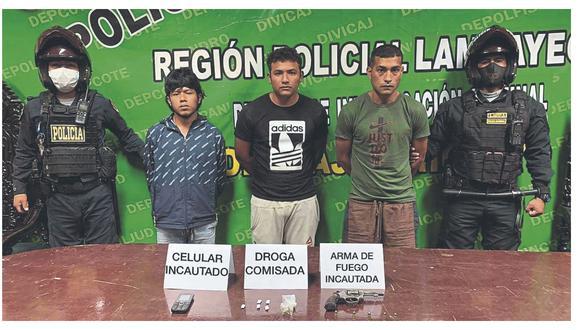 Personal de Radio Patrulla los intervino cuando pretendían huir. Sospechan que planificaban actos ilícitos en la zona.