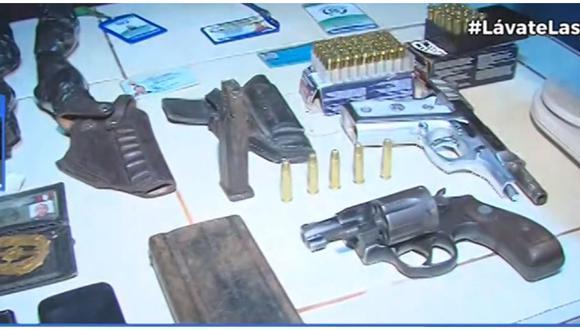 La Policía mostró las armas y municiones que fueron incautadas. (Foto: Canal N)