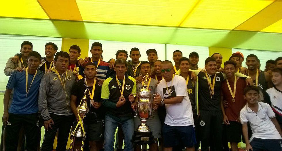 Miles de hinchas del campeón de la Copa Perú, Pirata FC, le dieron la bienvenida en Chiclayo