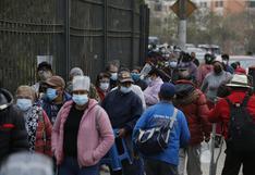 Largas colas durante reinicio de la vacunación en todos los locales de Lima y Callao (VIDEO)