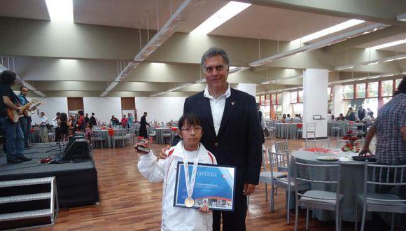 IPD homenajeó a deportistas huanuqueños