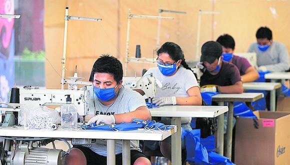 Así, informó que en el primer tramo, de S/ 26 millones 378 mil, se subsidiarán 80,010 empleos que están distribuidos  en 15,499 empresas.