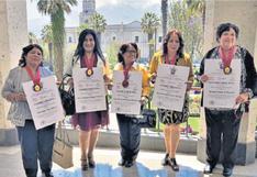 Reconocen a las arequipeñas del Bicentenario