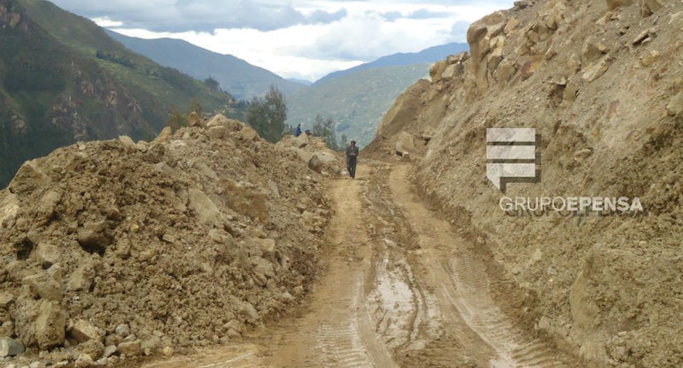 Tráfico interrumpido en vía Yanahuanca - Huánuco