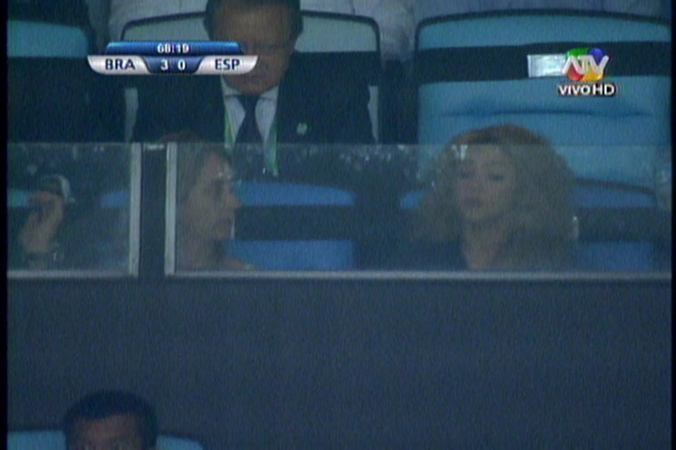 Copa Confederaciones: Shakira desencajada por expulsión de Piqué