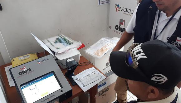 Voto electrónico en tres distritos