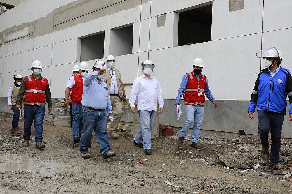 contralor-general-constato-avance-de-obras-del-hospital-de-huancabamba