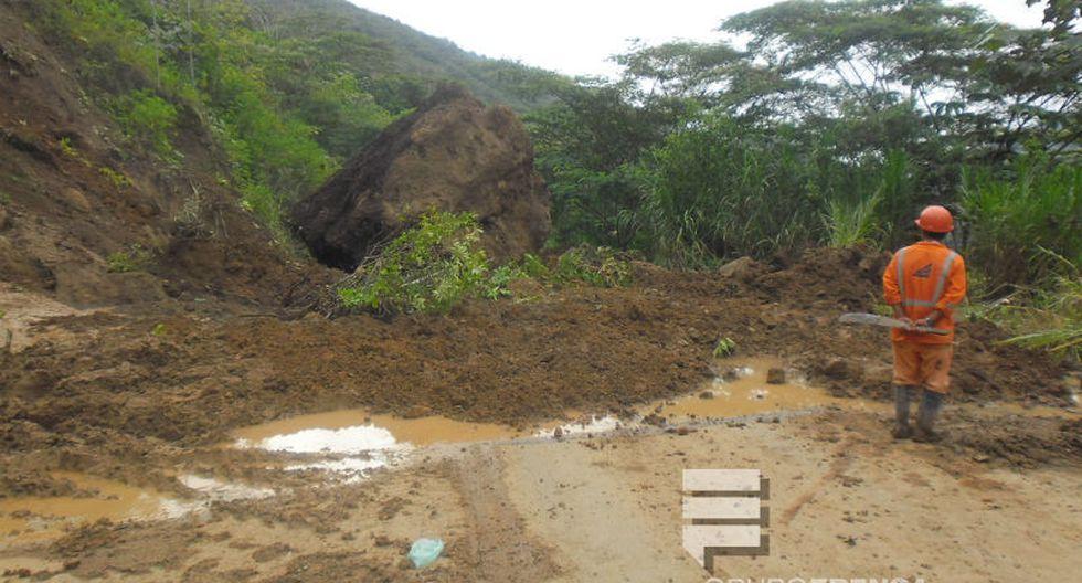 Derrumbes bloquean carretera Oxapampa - Chanchamayo