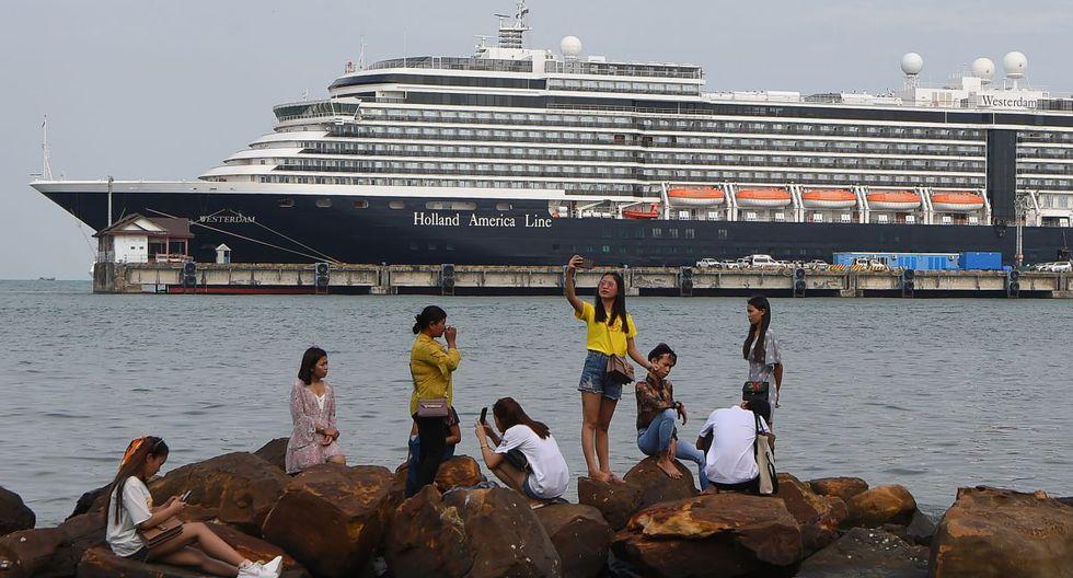 Entre los pasajeros se encontraban 651 estadounidenses, 127 británicos, 91 holandeses y 57 alemanes, así como viajeros de más de una treintena de países, incluidos España (7), Argentina (5), Brasil (5), Ecuador (5), México (5) y Chile (3). (AFP).