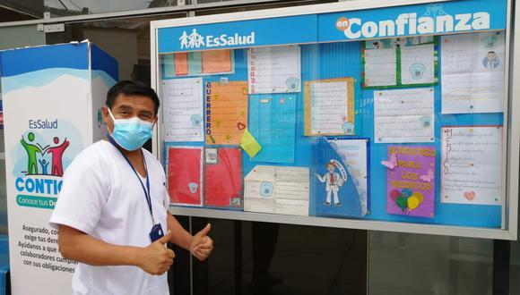 """Este noble gesto forma parte de del Proyecto Educativo """"Escribamos para la comunidad"""", con el objetivo de brindar apoyo emocional al personal médico y formar mejores ciudadanos. (Foto: EsSalud)"""