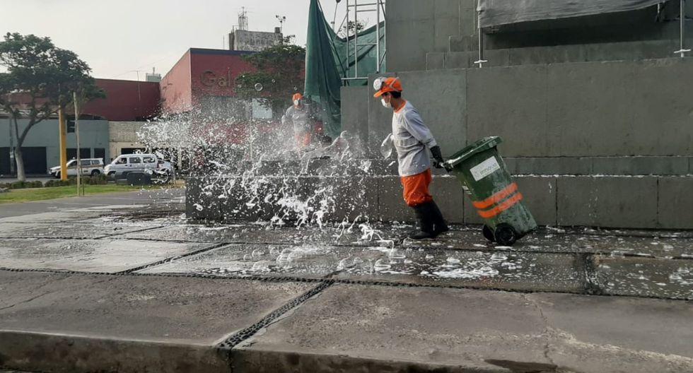 La Municipalidad de Lima realizó la limpieza en diversas plazas del Cercado de Lima. (Foto: Municipalidad de Lima)