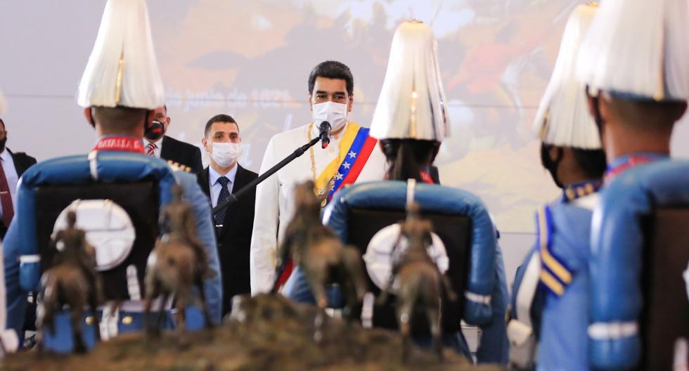 Maduro participa en un acto protocolar en el Panteón Nacional, el 24 de junio del 2020, en Caracas (Venezuela). En las últimas horas, el chavista redobló su oferta de una salida electoral que Guaidó y sus partidarios consideran tramposa. (EFE/ PRENSA MIRAFLORES).