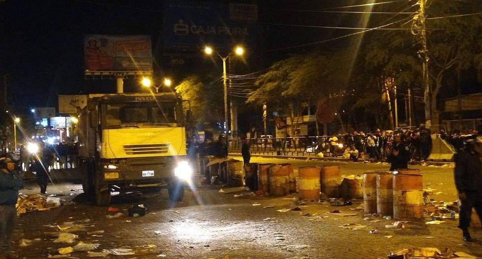 Recuperan vías del mercado que habían sido invadidas por los informales