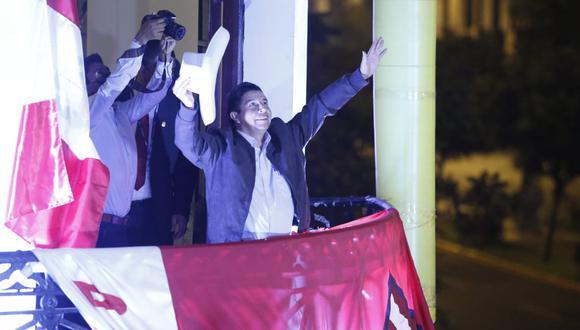 El electo presidente del Perú obtuvo el 50.126%, mientras que Keiko Fujimori, el 49.874%. La diferencia entre ambos es de 44,263 votos. (Foto: Jorge Cerdan/@photo.gec)