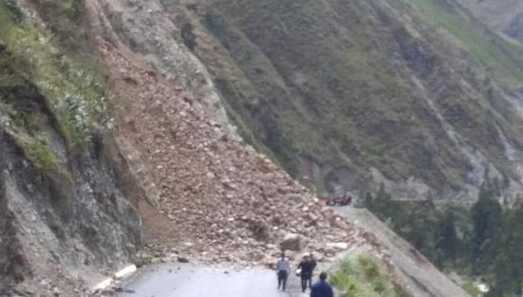 Un nuevo huaico interrumpe la vía Huayaonioc  a Huasahuasi