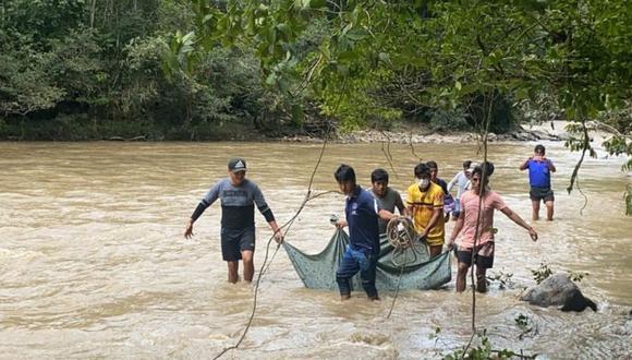 Los pobladores entregaron el cadáver a sus familiares. (Foto: Difusión)