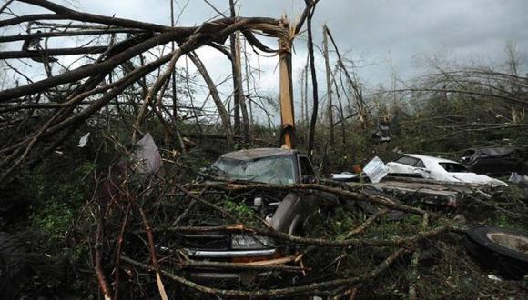 EE.UU.: Paso de dos tornados en Nebraska dejan un muerto y 15 heridos