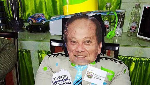 Ofertan muñeco con el rostro del alcalde de Chepén (FOTO)