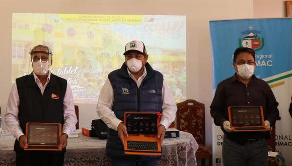 999 tablets fueron distribuidos para escolares de Grau, mientras que 355 tablets para los de Antabamba. (Gore Apurímac)