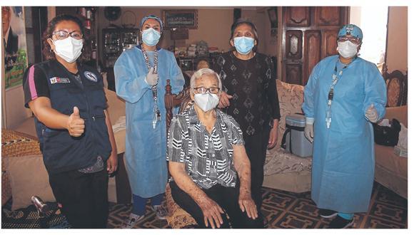 Ancianos cuyas residencias no estaban programadas y los no registrados también recibieron dosis.