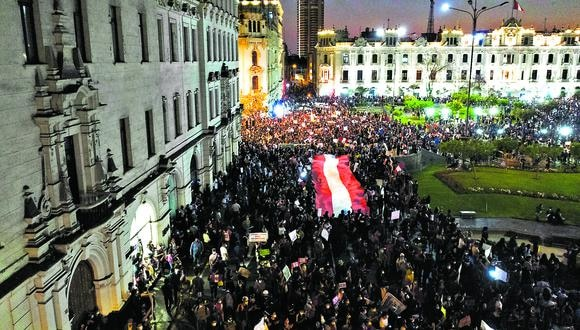 TOMAS AEREAS DE LA MARCHA EN CONTRA DE LA VACANCIA PRESIDENCIAL