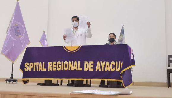 Médicos y trabajadores anunciaron medidas si no hay cambio de directora