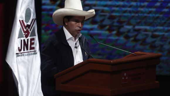 Pedro Castillo recibió sus credenciales como presidente electo para el periodo 2021-2026. (Foto: Cesar Campos Medina / @photo.gec)
