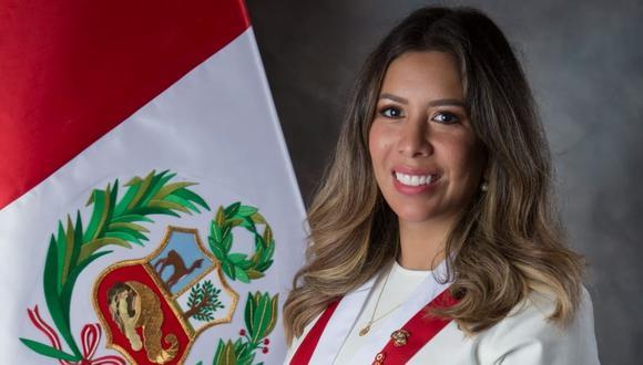 Congresista de Avanza País Roselli Amuruz ofreció disculpas por asistir a fiesta de cumpleaños en un hotel de Lima. (Foto: Facebook oficial)