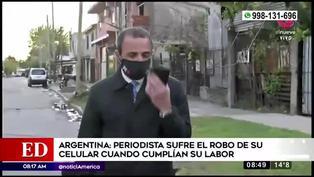 Periodista sufre el robo de su celular durante transmisión en vivo