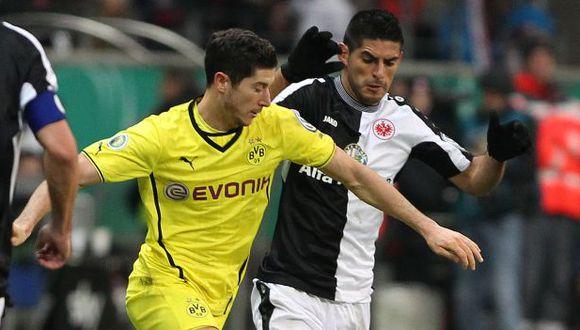 Carlos Zambrano jugó en Eintracht Frankfurt entre el 2012 y 2016. (Foto: AFP)