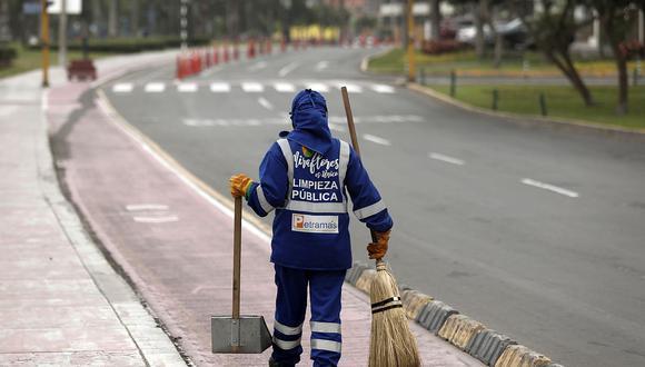 Las municipalidades tendrán plazo de un años para incorporar a planilla a los trabajadores de limpieza pública. (Foto: Leandro Britto / GEC)