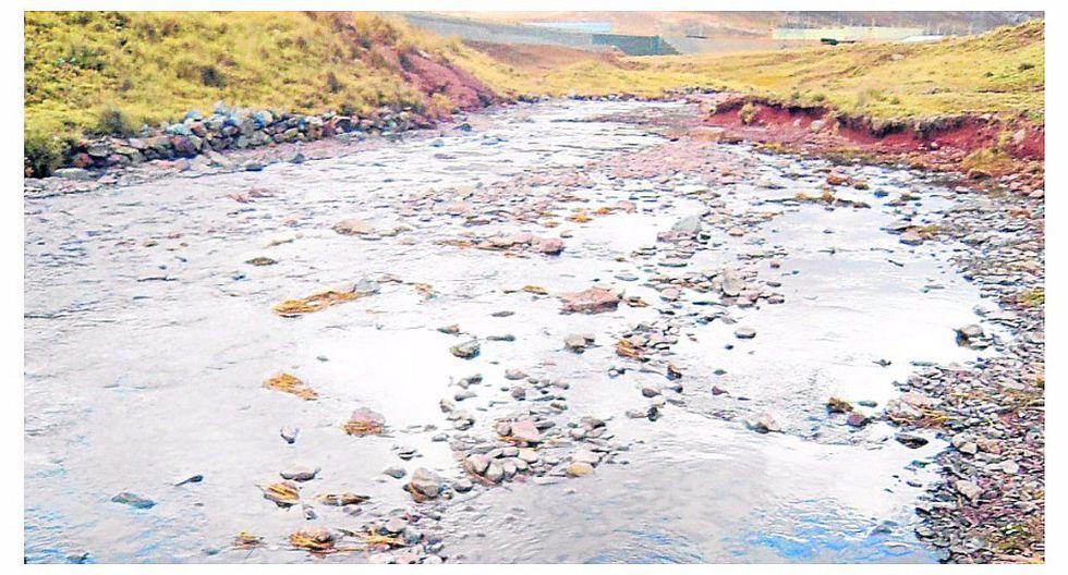 Mil toneladas de pulpa de mineral polimetálico contaminan el río Rumichaca (VIDEO)