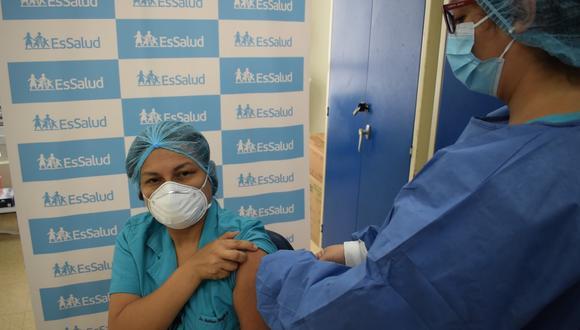 Enfermera de EsSalud venció a la COVID-19, se vacunó y pasará el Día de San Valentín con su esposo y su familia. (Foto: Difusión)