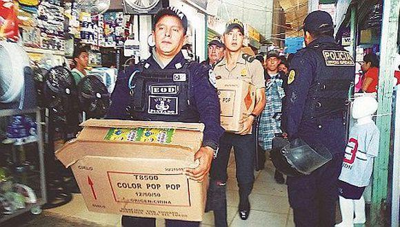 Incautan más de 120 kilos de pirotécnicos en puestos del mercado de Piura