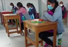 Maestro y estudiantes se sientan en baldes durante clases en Ayacucho (VIDEO)