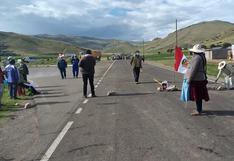 Pobladores se suman al paro de 48 horas y bloquean vías en Azángaro