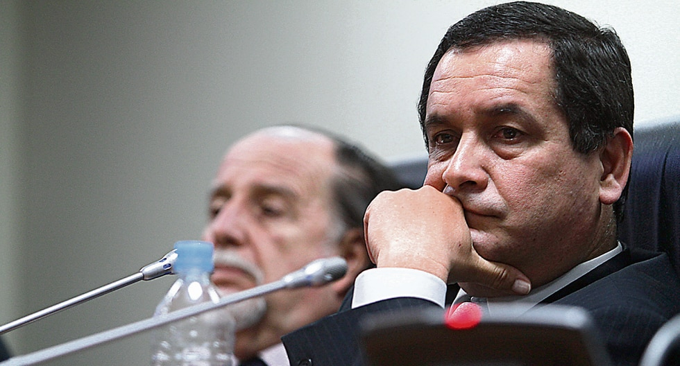 La candidatura de Luis Iberico se debilita