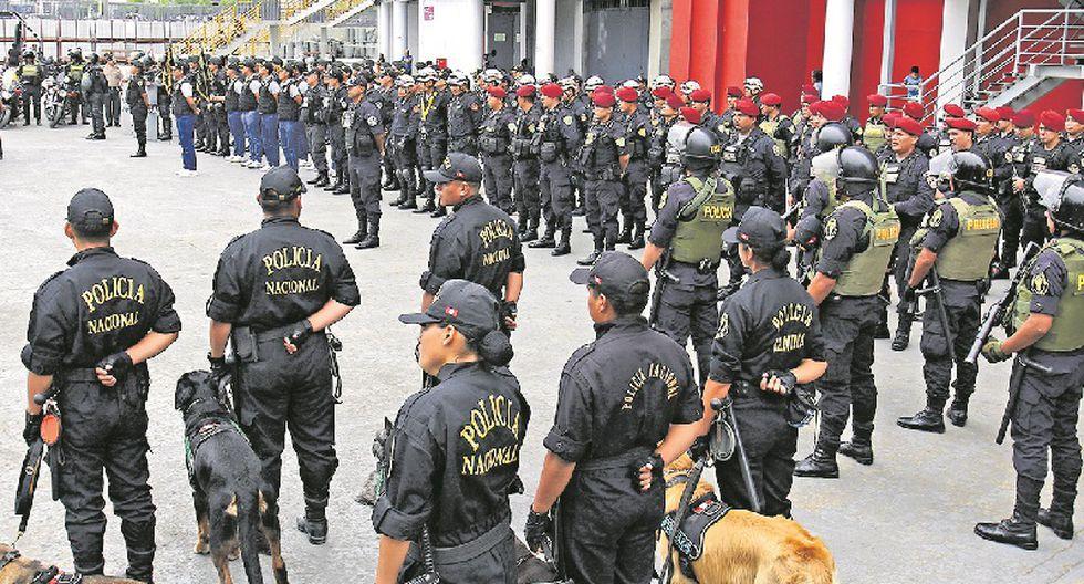 Policía (Foto: Britane Arroyo)