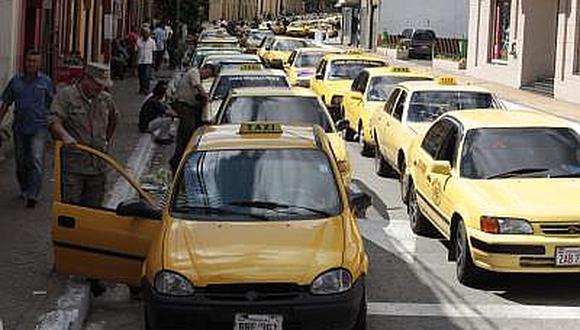 Paraguay: Taxistas salen en caravana a exigir la supresión de Uber (VIDEO)