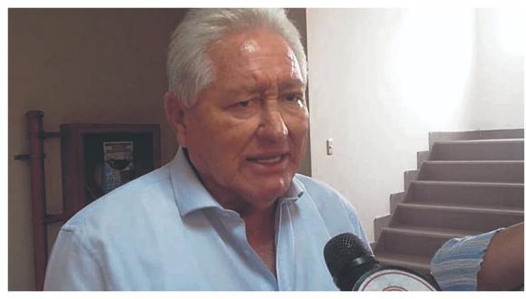 Burgomaestre de Nepeña, Pedro Carranza López, debió recibir un aguinaldo, según la ley, pero le pagaron 6,200 soles.
