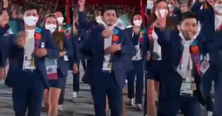 Polémica en Tokio 2020: deportista mexicano se quita la mascarilla y saca la lengua