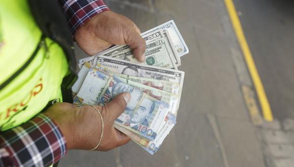 El tipo de cambio abrió a la baja este miércoles en medio de la subida global de la divisa estadounidense (Foto: GEC)