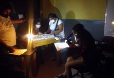 Miembros de mesa en Ica usaron velas para contar votos emitidos
